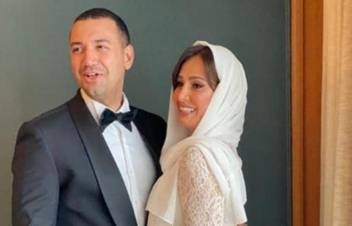 زواج حلا شيحة بداعية يثير الجدل بمصر.. والأخير ينشر صورا