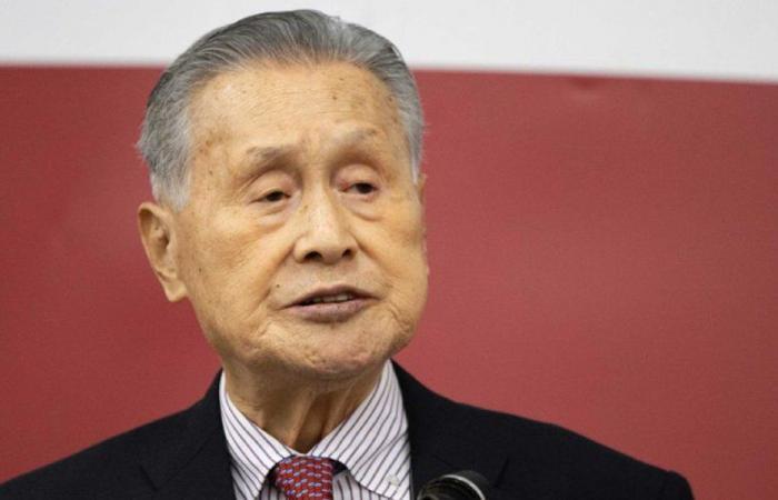 """بعد تصريحات """"المسيئة""""… رئيس أولمبياد طوكيو يستقيل"""