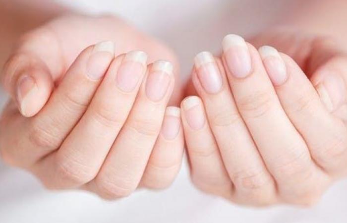 4 زيوت أساسيّة ضروريّة للعناية بصحة الأظافر وجمالها