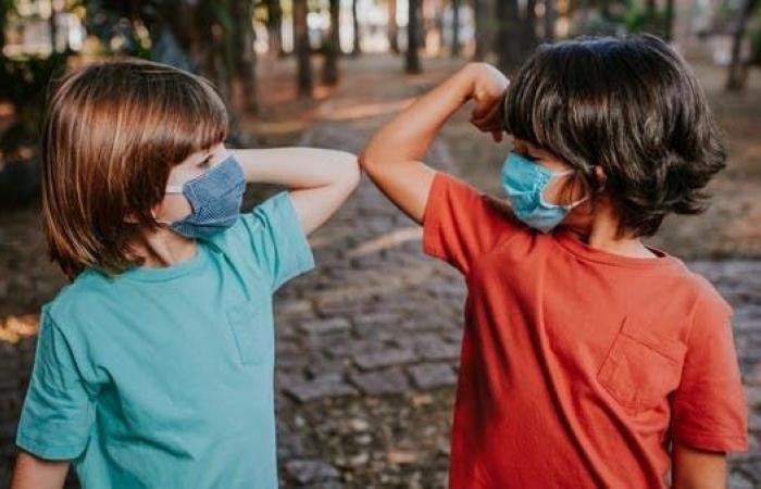 اختبارات للقاح كوفيد-19 على الأطفال خلال شهر
