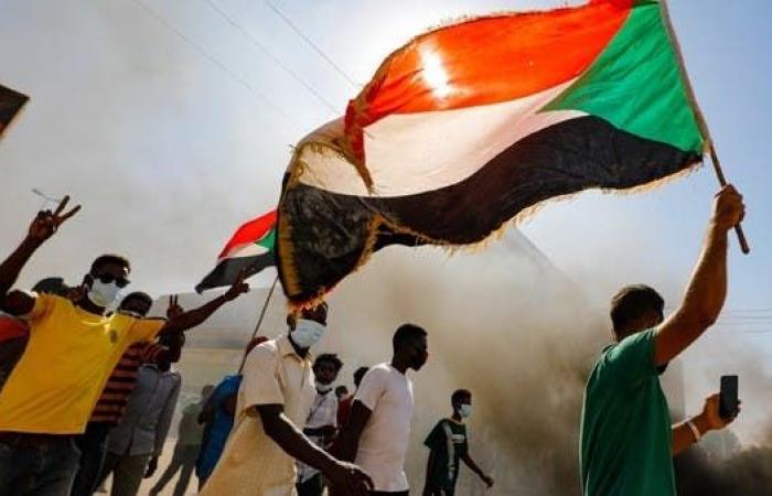 ليلة سقوط عمر البشير.. وسر فتوى قتل ثلث الشعب